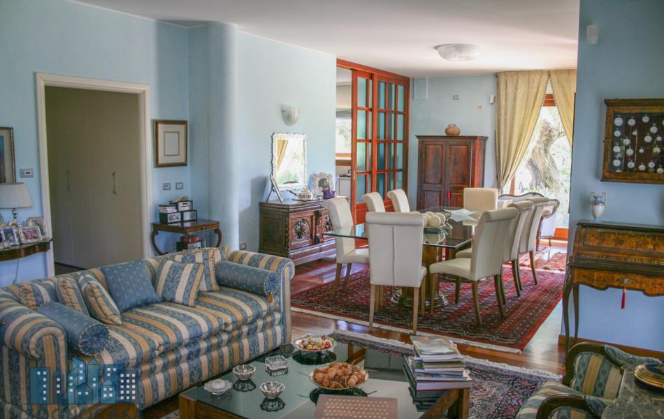 7 Via Selva del Moro, Città Sant'Angelo, 65013, 4 Stanze da Letto Stanze da Letto, ,4 BathroomsBathrooms,Villa,Vendesi,Via Selva del Moro,3,1077